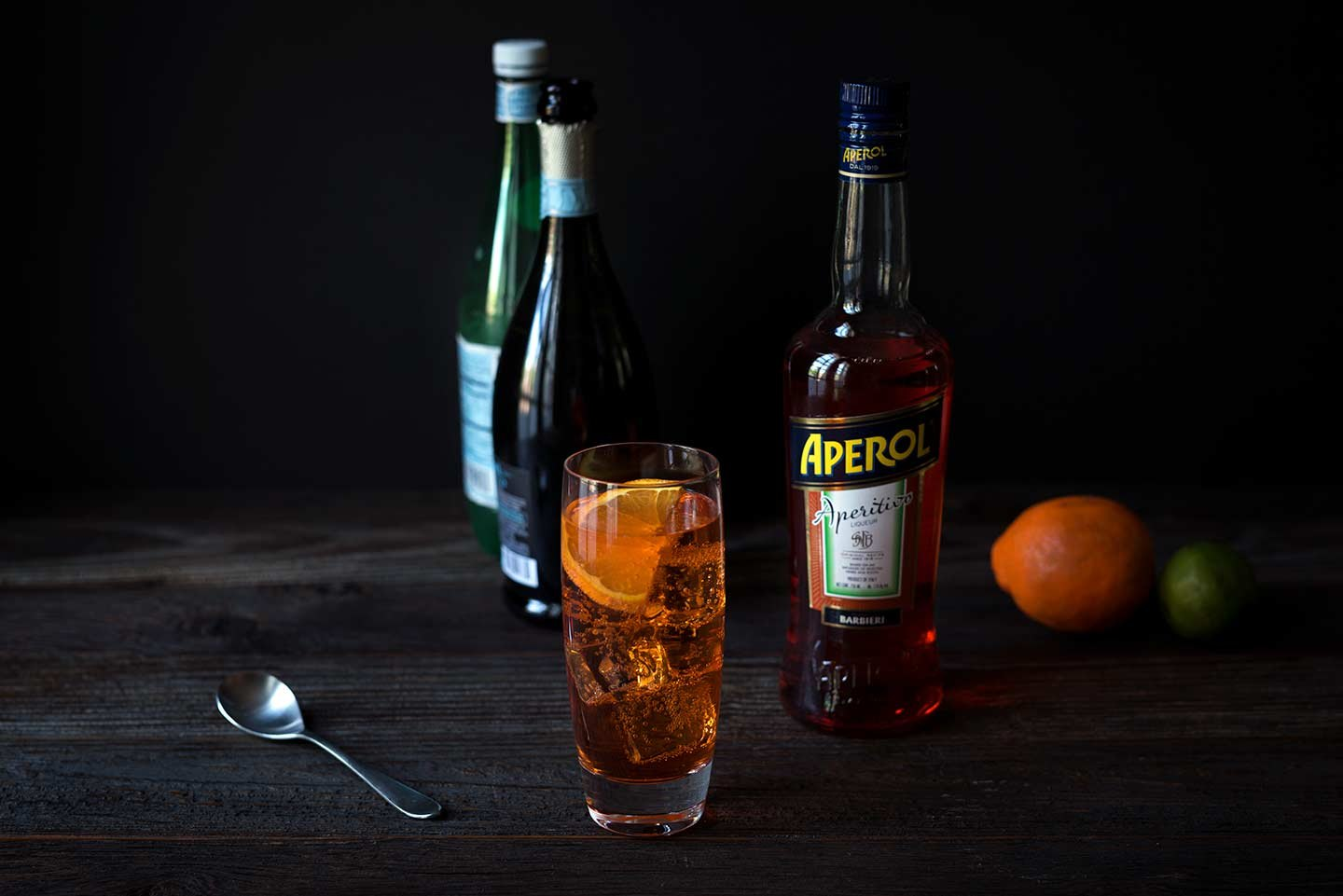 Aperol spritz cocktail recipe ehow for Cocktail spritz