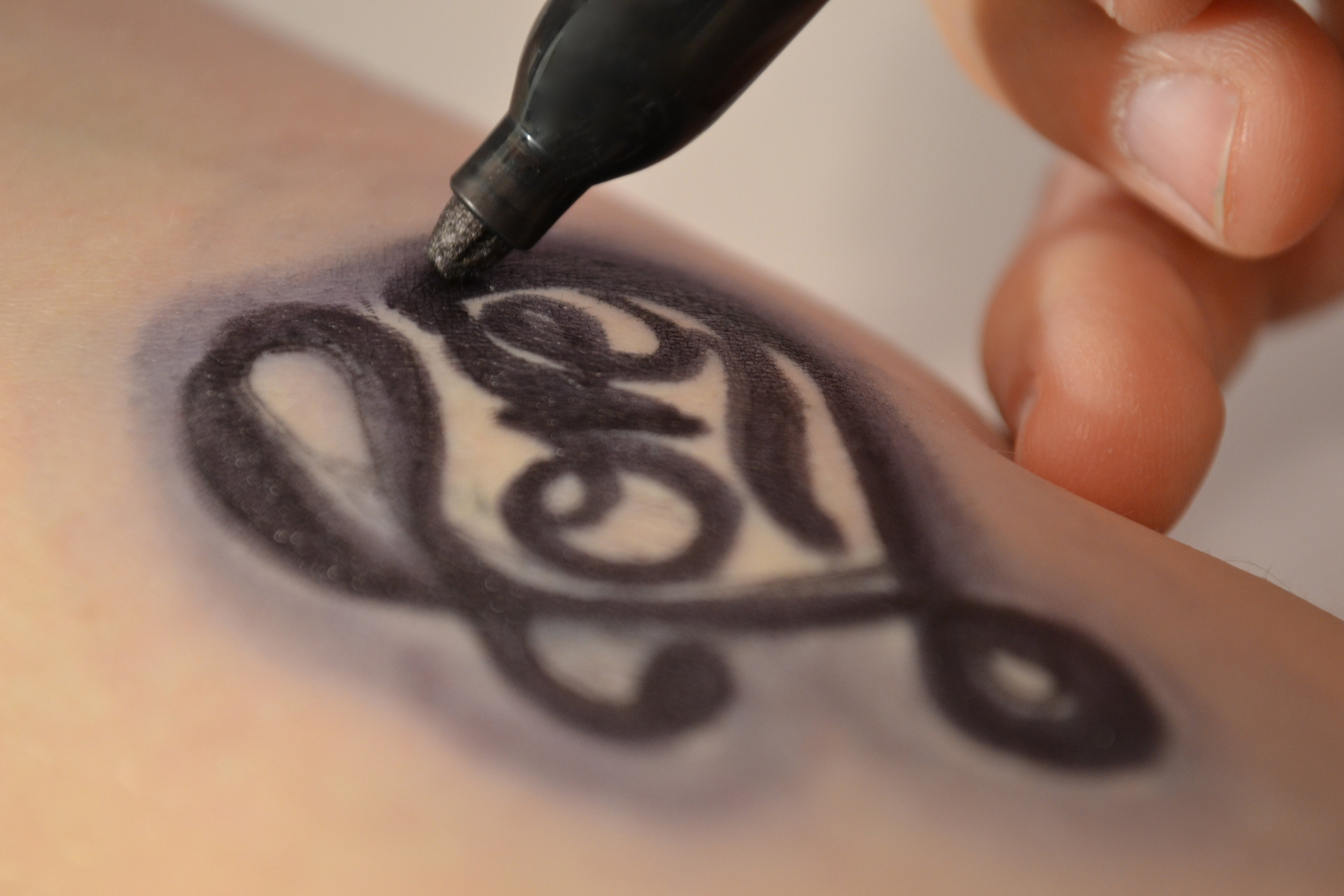 How to make a fake tattoo with a sharpie with pictures for Temporary tattoo tracing paper