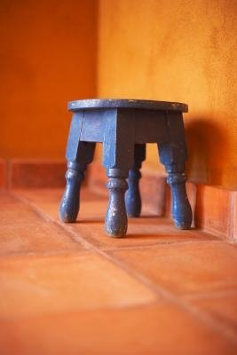 How To Decorate With Terra Cotta Floors Ehow