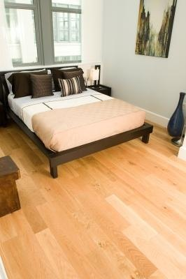 How Far Do You Stagger The Joints In Hardwood Flooring Ehow