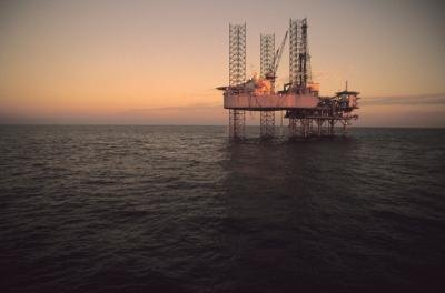 Floormen work on offshore oil rigs all over the world.