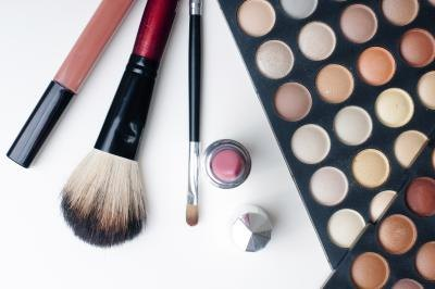 Experience is preferrable to sell cosmetics.