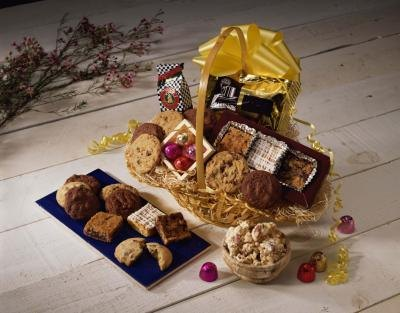 A gift basket for your boyfriend can include his favorite foods.