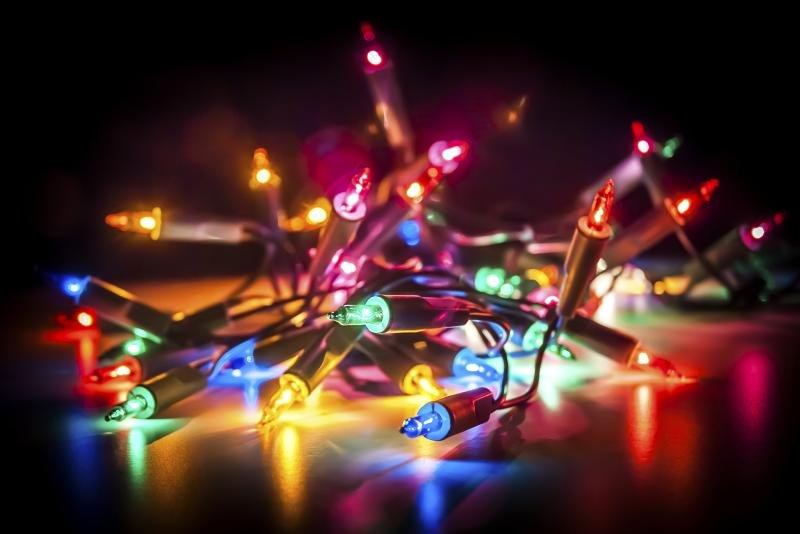 How To Attach Christmas Lights To A Roof Ehow