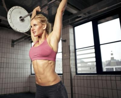 Woman doing shoulder press