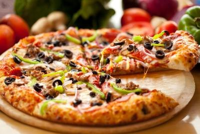 Pizza with many toppings