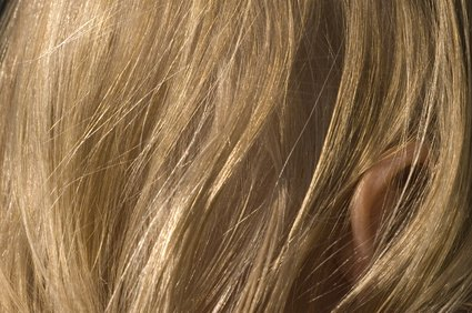 How do I Choose a L'Oreal Hair Color From Brown to Blonde? | eHow