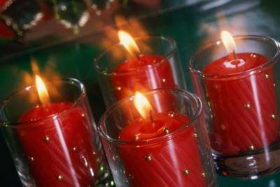 the meaning of advent candles with pictures ehow. Black Bedroom Furniture Sets. Home Design Ideas