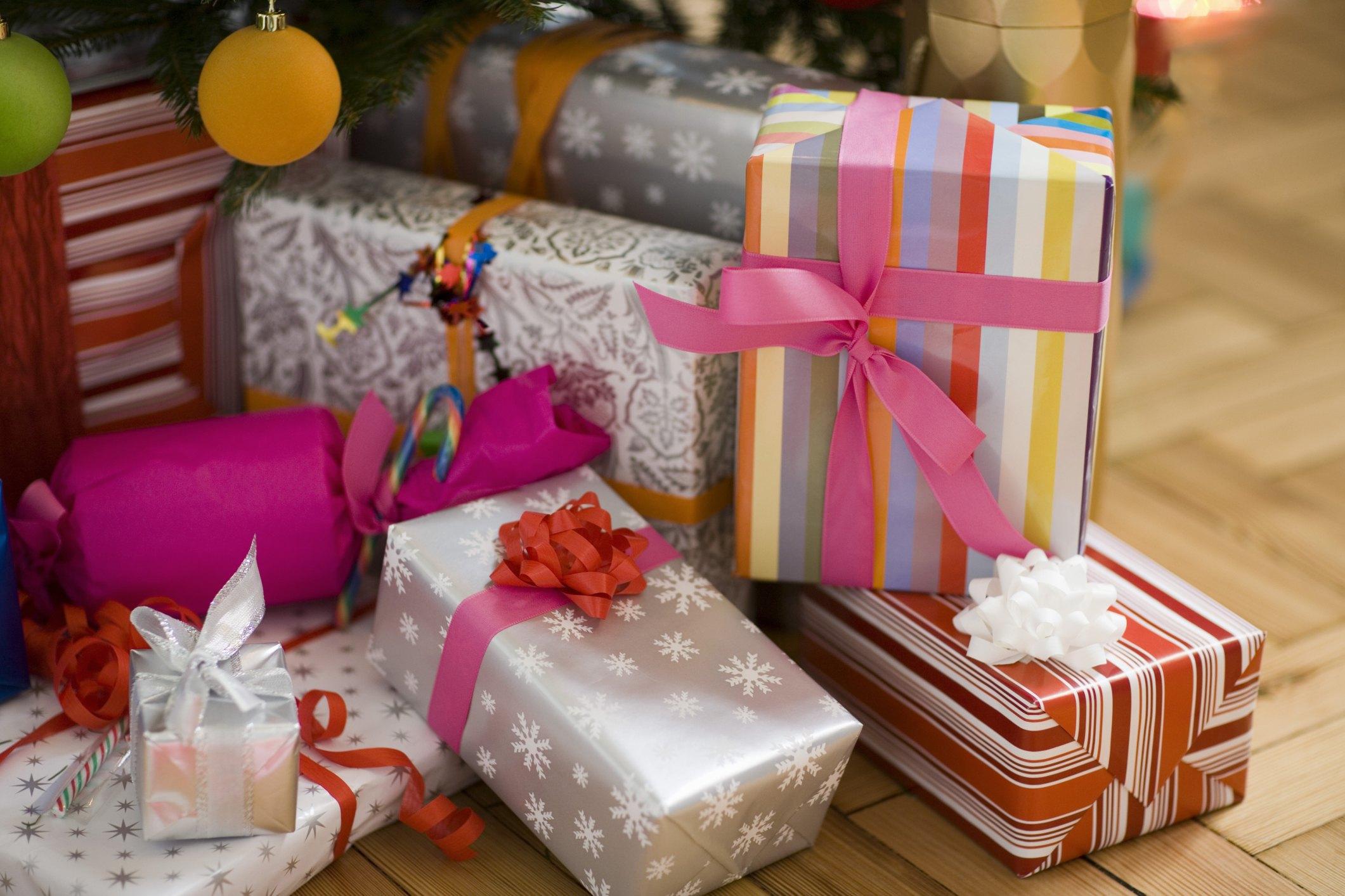 Упакуй подарок необычно фото