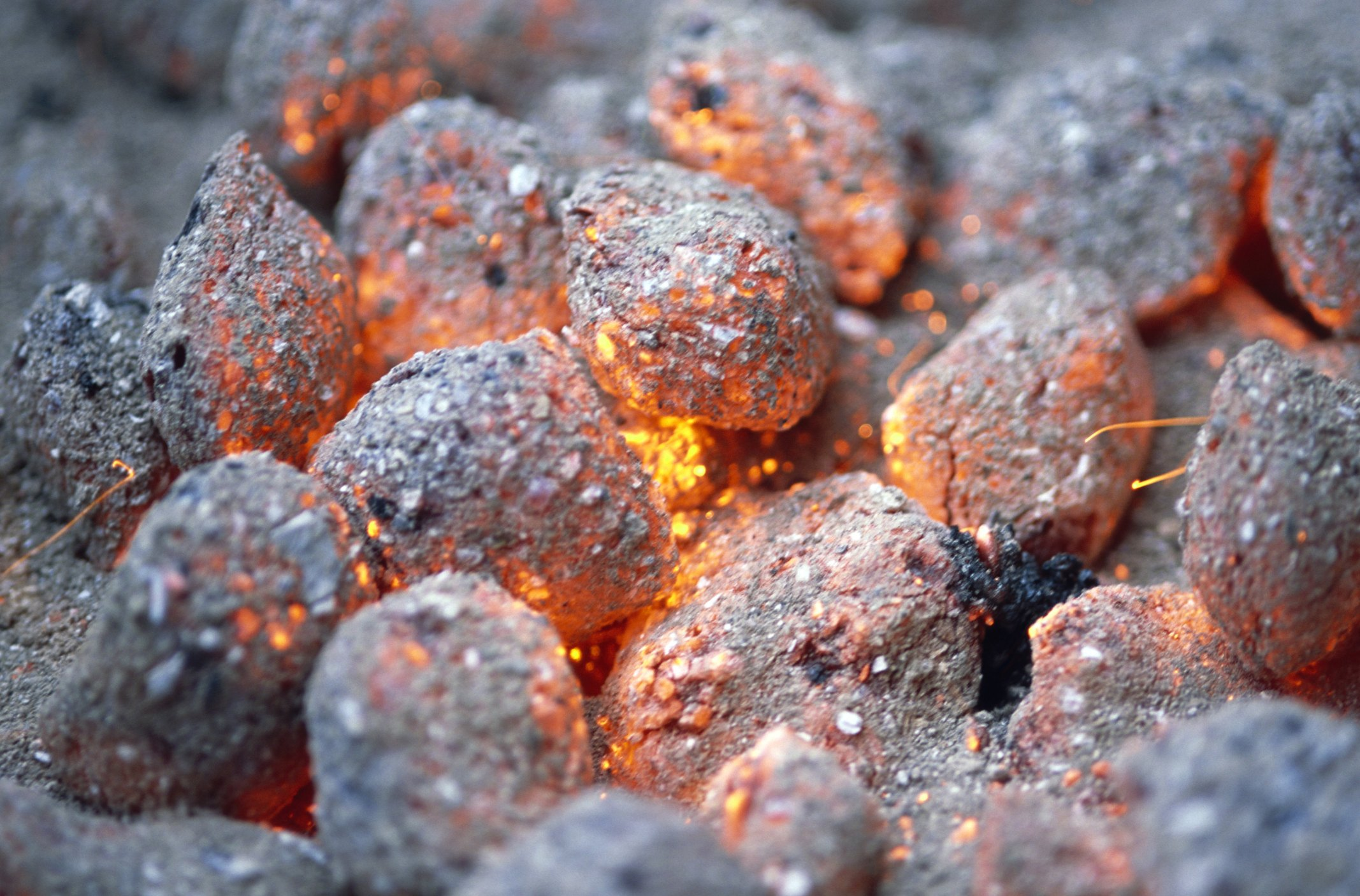 can ashes from charcoal briquettes be used as fertilizer ehow