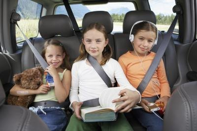 The seat belt law states that minors between the ages of 6 and 17 must wear an adult seat belt.