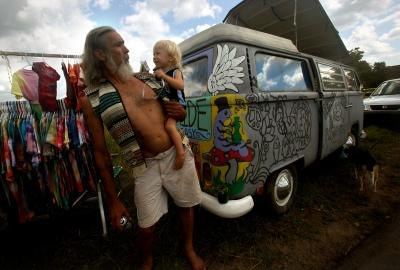 Quot hippies from a to z quot skip stone asserts that the hippie movement