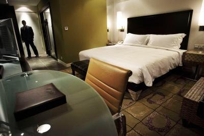 Hotel Room Dubai Unmarried