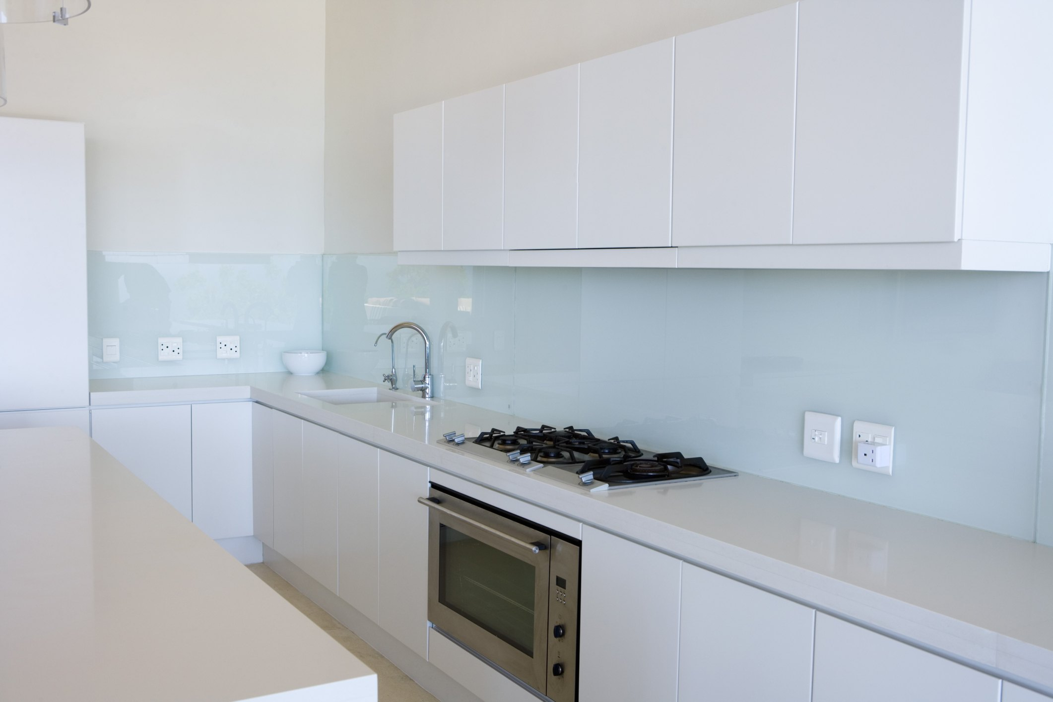 Is There Any Paint That Will Stick to Laminate Cabinets? | eHow