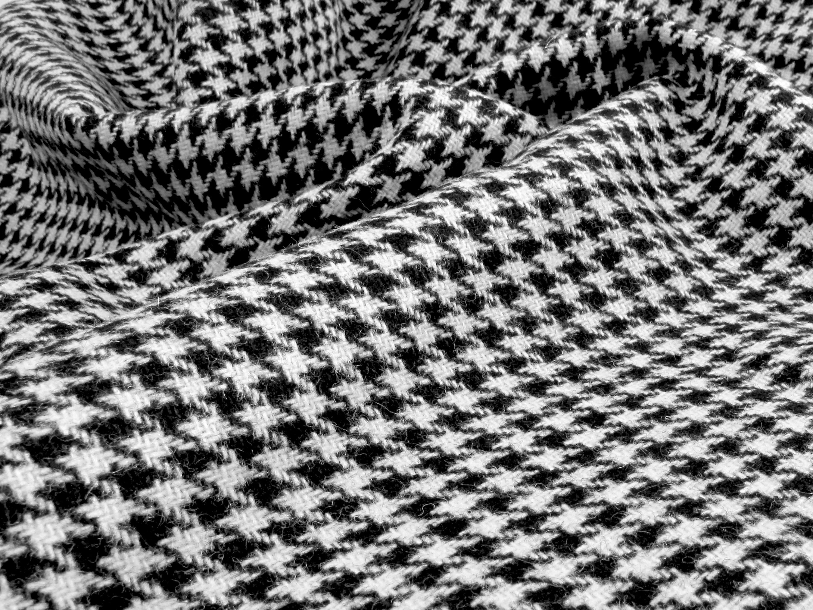 The history of houndstooth ehow - Tejidos para tapizar sofas ...