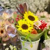 How to Operate a Small Flower Cart Business