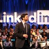 How to Link Facebook and Twitter With LinkedIn
