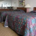 Hotels near Farmingdale, N.Y.