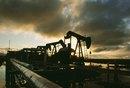 El ingreso promedio del operador de equipo de perforación de petróleo