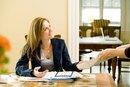 ¿Cuáles son las calificaciones de una asistente administrativa?