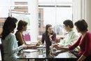 ¿Cuál es el significado de empleo del sector público versus vs. privado?