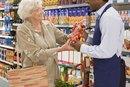 ¿Cuáles son los deberes de un asistente de atención al cliente de un supermercado?