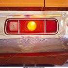 Cómo reemplazar un faro delantero en un Chrysler PT Cruiser