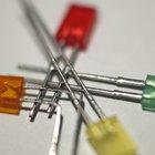 Cómo hacer un tablero de circuito para LED intermitentes