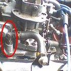 ¿Cómo cambiar una válvula de PCV en un Cherokee?