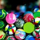 Cómo hacer pelotas de goma que rebotan