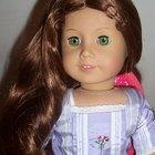 Cómo limpiar el pelo de una muñeca Barbie