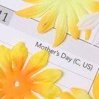 Cómo hacer una invitación para el día de las madres
