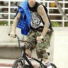 How to Dress Like Travis Barker