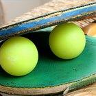 ¿Por qué los rebotan las pelotas de ping-pong?