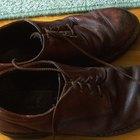 Cómo desinfectar un par de zapatos por dentro
