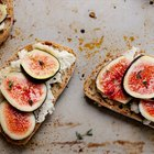 15-Minute Fig and Ricotta Crostini