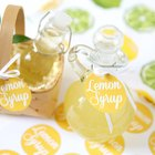 Sweet Homemade Hostess Gift: DIY Lemon Syrup (Free Printable Included!)