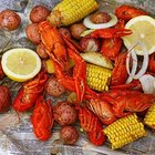 How to Eat Boiled Crawfish
