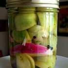 How to Make Pickled Green Tomatoes