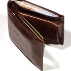 Difference Between a Wallet & a Billfold