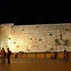 Cómo construir un muro de contención de ladrillo o de piedra