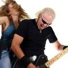 Cómo conectar la guitarra y la batería en Rock Band