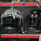 ¿Qué equipo utilizan los jugadores de hockey sobre hielo?