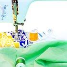 Cómo hacer una puntada elástica con una máquina de coser