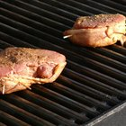 How to Make Tuna Steaks on a Gas Grill
