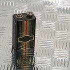 ¿Cómo hacer un estimulador eléctrico con cables de altavoz?