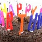 Cómo hacer tortas de cumpleaños con forma de camiones de construcción