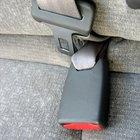 Cómo reiniciar el cinturón de seguridad atascado