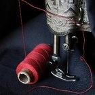 Cómo cortar y marcar las piezas de un patrón sobre la tela