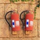 ¿Cuáles son los ingredientes de un extintor de incendios?
